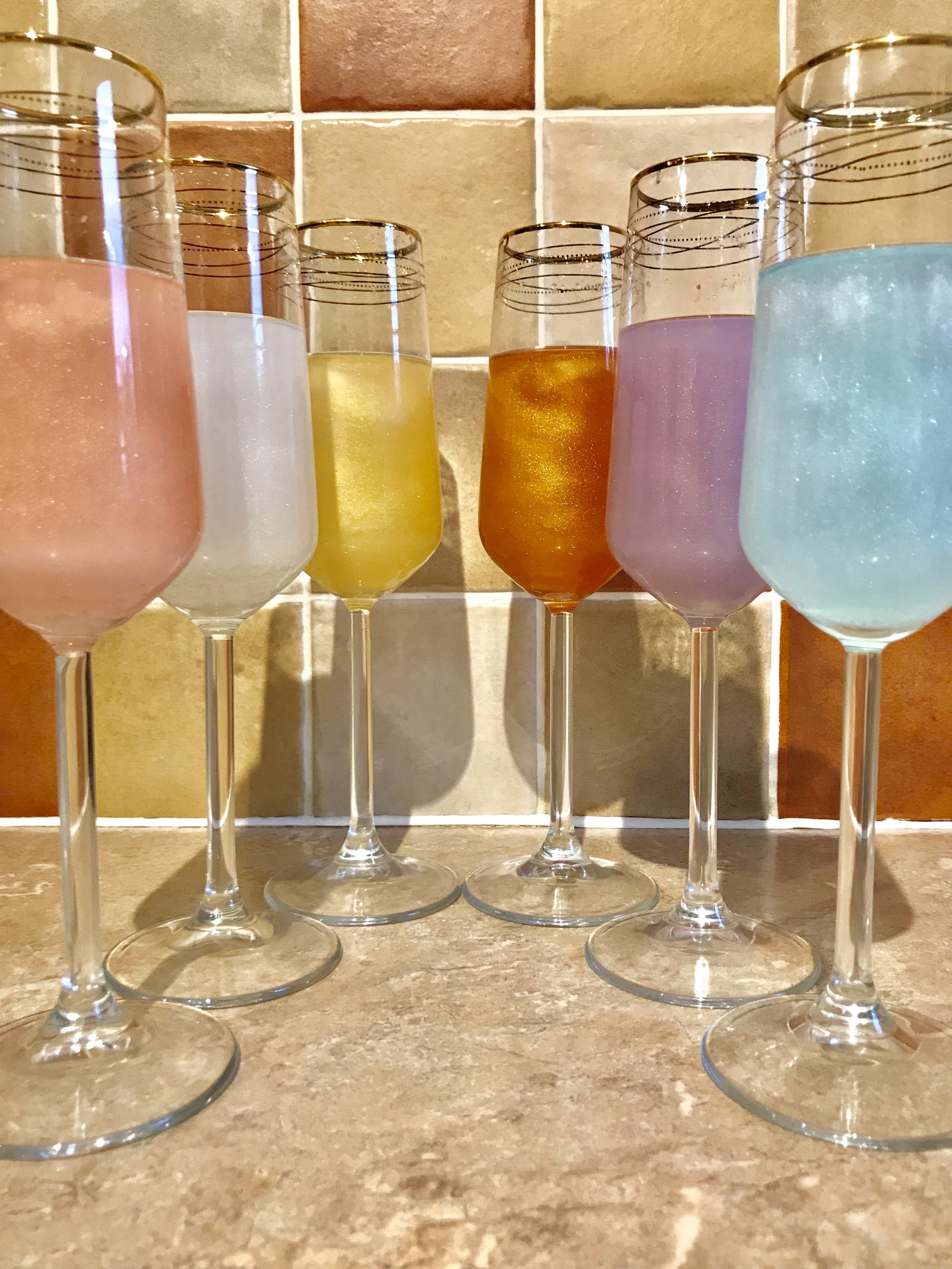WHITE SPARKLY DRINKS DUST SHIMMER UNICORN PROSECCO COCKTAILS CHRISTMAS GLITTER